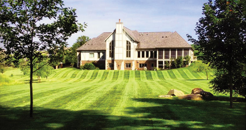 country club lawn care and landscaping marion iowa
