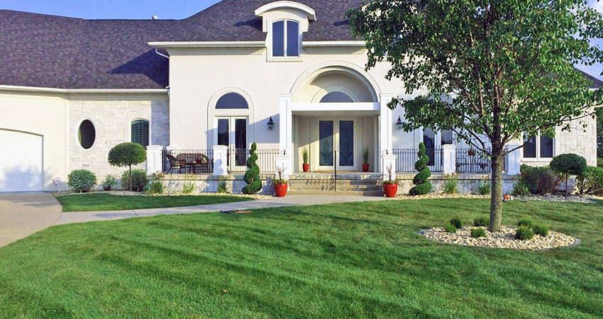 landscape country club lawn care landscaping marion cedar rapids iowa